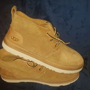 New Ugg boots size 13